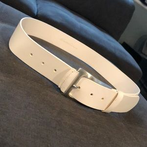 WHITE KENNETH COLE BUCKLE BELT